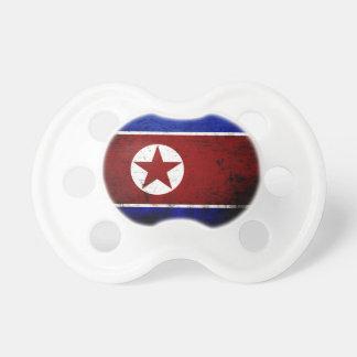Svart GrungeNordkorea flagga 1 Napp