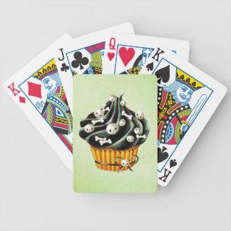 Svart Halloween muffin med mycket liten döskallar Spelkort