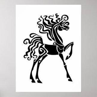 Svart häst affischer