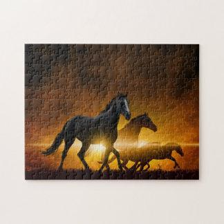 Svart hästpussel för vild pussel