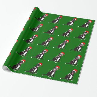 Svart lab Connie jul som slår in papper Presentpapper