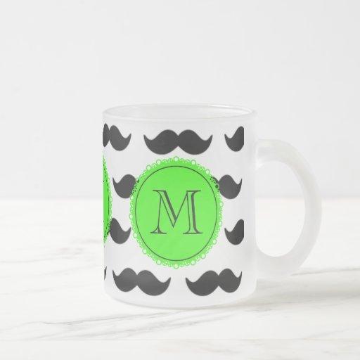 Svart mustaschmönster, grön Monogram Kaffe Muggar