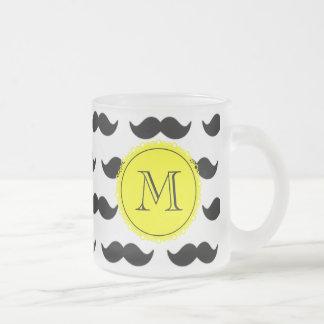 Svart mustaschmönster, gul Monogram Muggar