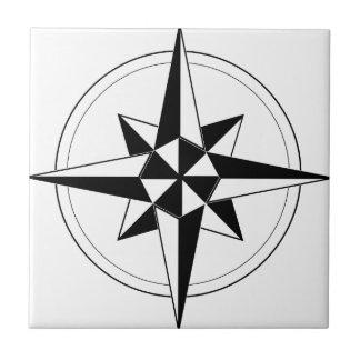 Svart nautisk kompass liten kakelplatta