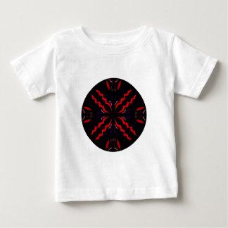 Svart och röd vintagemandala t-shirt