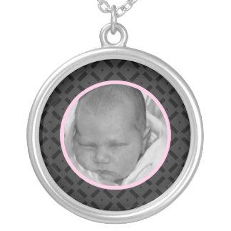 Svart och rosa fotohalsband silverpläterat halsband