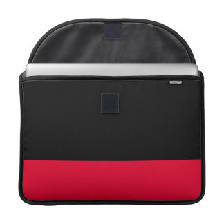 Svart och scharlakansröd sleeve MacBook pro sleeve