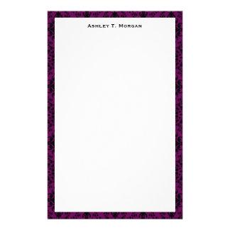 Svart/purpurfärgad damast inramad personlig brevpapper