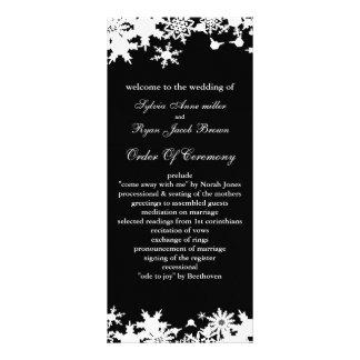 Svart snöflingorvinterbröllop anpassade rackkort