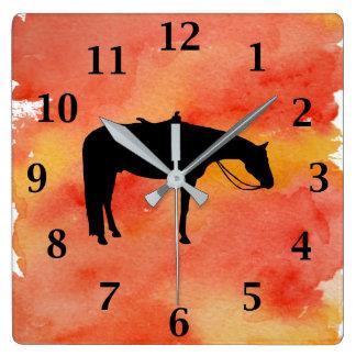 Svart western hästSilhouette på vattenfärg Fyrkantig Klocka