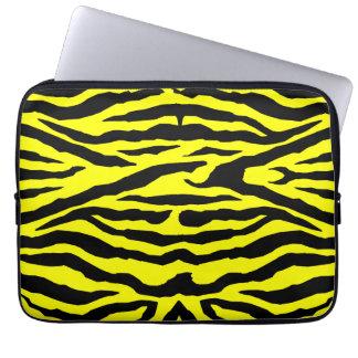 Svart zebra ränder på den ljusa gula laptop sleeve laptopskydd