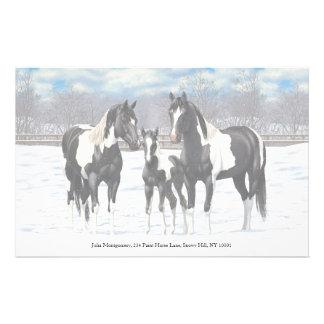 Svarten målar hästar i snö brevpapper