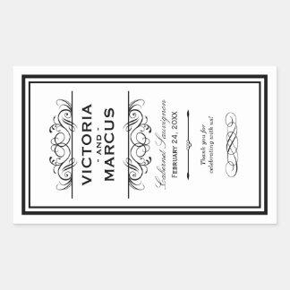 Svartvit favör för Monogram för bröllopvinflaska Rektangulärt Klistermärke