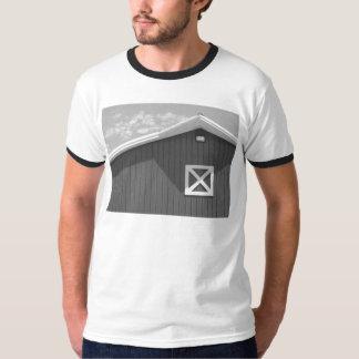Svartvit ladugård t-shirts