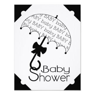 Svartvit paraplybaby showerinbjudan 10,8 x 14 cm inbjudningskort