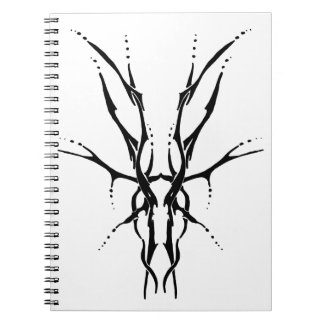 Svartvit stam- tatuering för hjortskalle - anteckningsbok med spiral