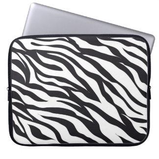 Svartvita gåvor för zebra rändertryckmönster laptopfodral