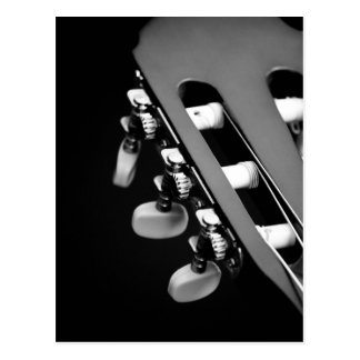 Svartvitt akustiskt gitarrhuvud vykort