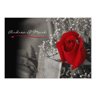 Svartvitt bröllop för elegant röd ros 8,9 x 12,7 cm inbjudningskort