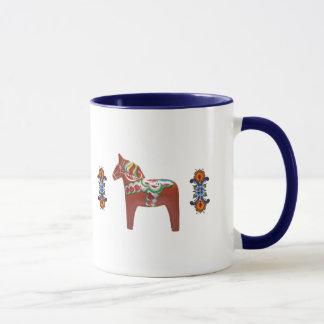 Svensk Dala häst med norska Rosemaling Mugg
