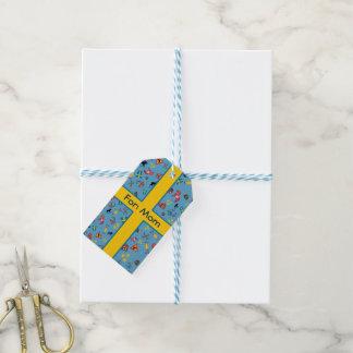 Svenskkulturobjekt med flagga presentetikett