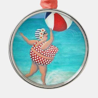 Sylvia på stranden rund silverfärgad julgransprydnad