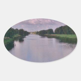 Symmetri Ovalt Klistermärke