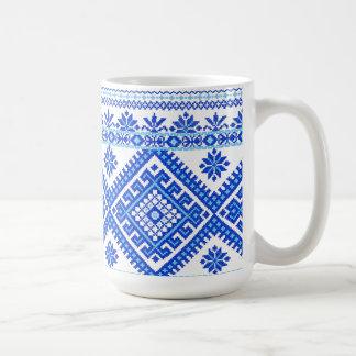Syr ukrainska blått för klassikermugg på blåttkor vit mugg