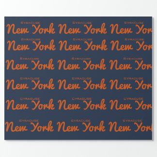 Syracuse New York som slår in papper Presentpapper