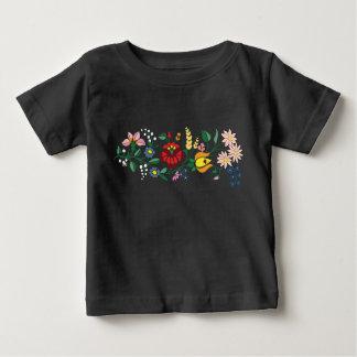 T-skjorta för Traditonal ungersk broderibebis T-shirt