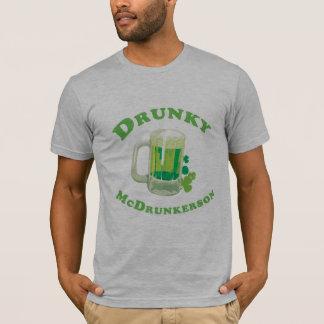 T-tröja för DRUNKY MCDRUNKERSON Tshirts