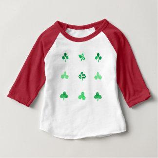 T-tröja för Raglan för klöverlövbaby Tee
