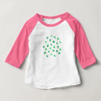 T-tröja för Raglan för klöverlövbaby Tshirts