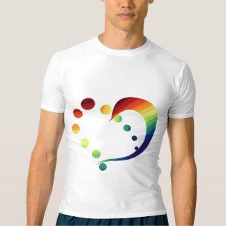 T-tröja för regnbågehjärtapride (den lägre tee shirt