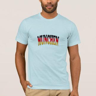 T-tröja med den Munich logotypen mot tysk flagga T-shirts