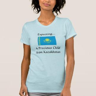 T-tröja som förväntar ett dyrbart barn från tshirts