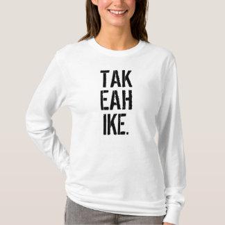 Ta en vandring som fotvandrar skjortaryggsäcknamn tee shirt