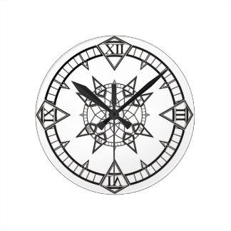 Ta tid på den gotiska tatueringkompasset för rund klocka