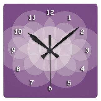 Ta tid på - skära cirklar i lilor fyrkantig klocka