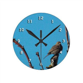 Ta tid på - sparrowen på grenar rund klocka