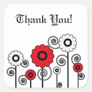 Tack rött, vit & svarten blommar & virvlar runt fyrkantigt klistermärke