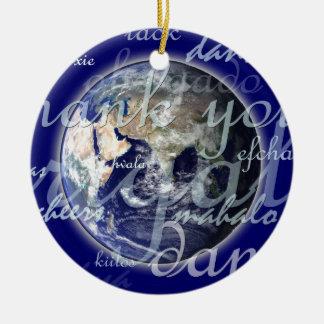 Tacka dig över jord i olika språk julgransprydnad keramik