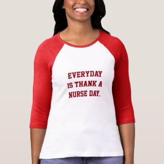 Tacka en sjuksköterska tröjor