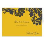 Tackar damastast bröllop för gult och för grå färg hälsningskort