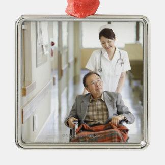 Tålmodigt och sjuksköterska julgransprydnad metall