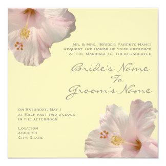 Tända - den rosa hibiskusbröllopinbjudan fyrkantigt 13,3 cm inbjudningskort