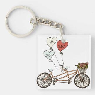 Tandem cykel för kärlek med ballongkeychain