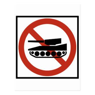 Tanken trafikerar den förbjudna huvudvägen vykort