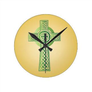 Tar tid på den arga väggen för Celtic Rund Klocka