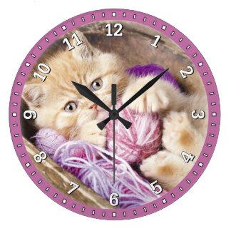 Tar tid på den dekorativa väggen för kattungen stor rund klocka